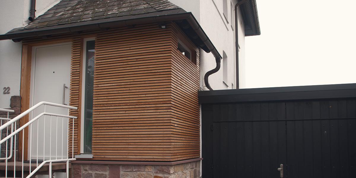 Holzleisten Fassade
