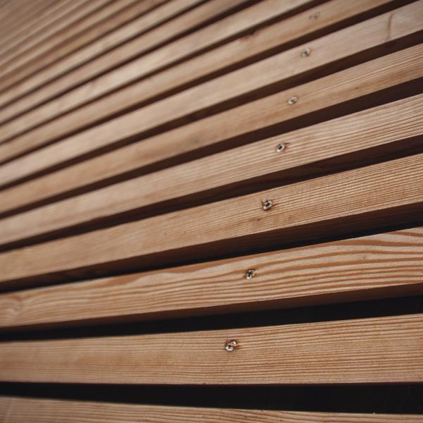 Fassade aus Holzleisten