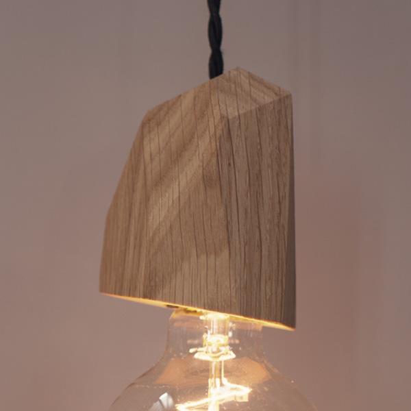 Glühbirnenfassung aus Holz