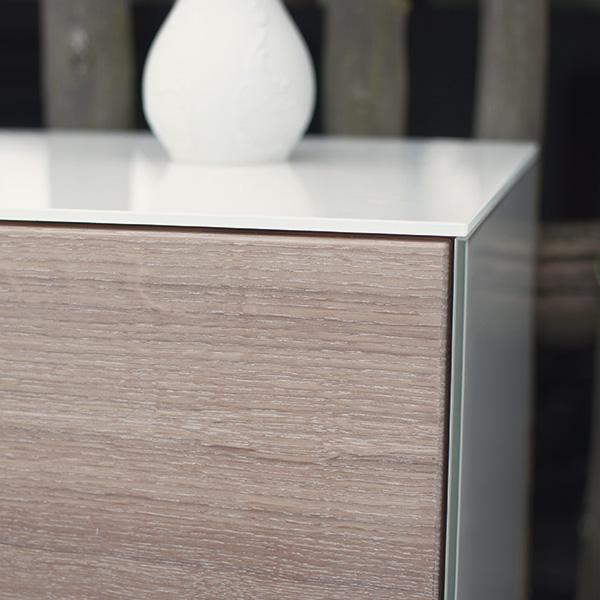 Sideboard aus Glas und Holz